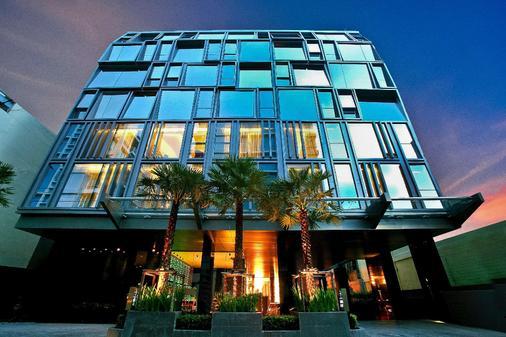 Galleria 10 Sukhumvit Bangkok By Compass Hospitality - Bangkok - Building