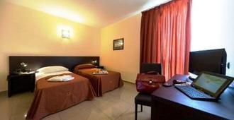 Hotel Tiempo - Naples - Bedroom