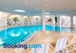 Hotel Alpenroyal - Castelrotto - Pool
