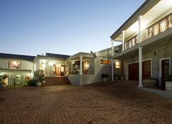 Sea Whisper Guest House - Jeffrey's Bay - Building