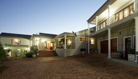 Sea Whisper Guest House - Залив Jeffreys Bay - Здание