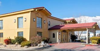 La Quinta Inn By Wyndham Reno - Reno - Toà nhà