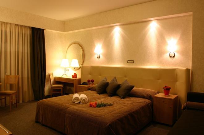 亞歷山德羅精品酒店 - 納夫普利翁 - 臥室