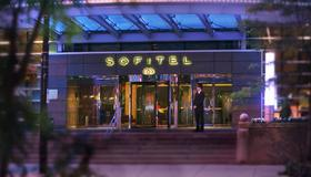 Sofitel Montreal Golden Mile - Montreal - Building