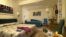 Hotel Santa Maria - Rome - Bedroom