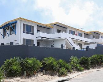 Scarborough Apartments - Scarborough - Building