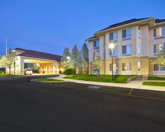 Homewood Suites by Hilton Ithaca - Ithaca - Bâtiment
