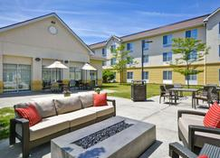 Homewood Suites by Hilton Ithaca - Ithaca - Patio