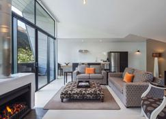 Queenstown Park Boutique Hotel - Queenstown - Wohnzimmer