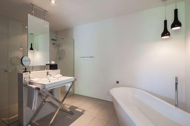 Queenstown Park Boutique Hotel - Queenstown - Bathroom