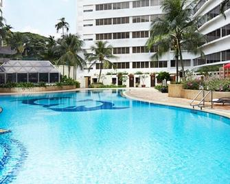 Furama Riverfront - Сінгапур - Pool