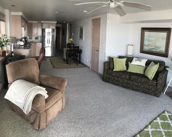 Lake Condo 1 Bedroom - Clear Lake