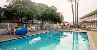 Motel 6 Morro Bay - Morro Bay - Pool