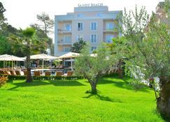 Sandy Beach Resort - Golem - Building