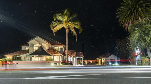 Pacific Coast Motor Lodge - Whakatane - Building