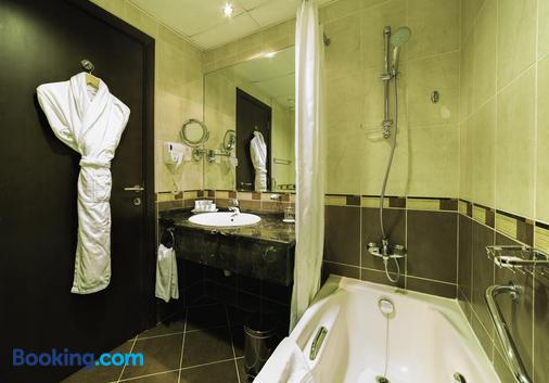 Executive Suites by Mourouj Gloria,Superior Hotel Apartments - Abu Dhabi - Phòng tắm