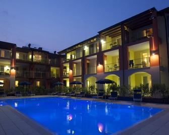 Residence Maroadi - Torbole - Building
