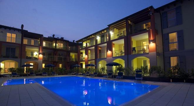 Residence Maroadi - Torbole - Κτίριο