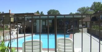 Mountain View Motel - Bishop - Pool