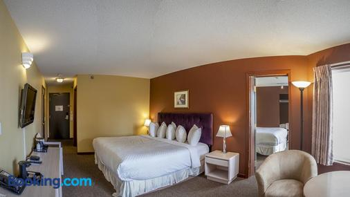 Travelodge by Wyndham Parksville - Parksville - Bedroom