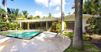 Villa Charmaine - Miami Beach - Pool