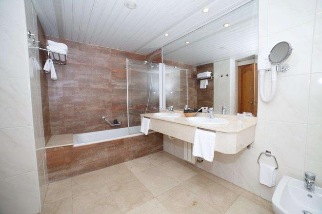 Hotel Hoyuela - Santander - Kylpyhuone
