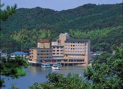 Kochoran - Toba - Building