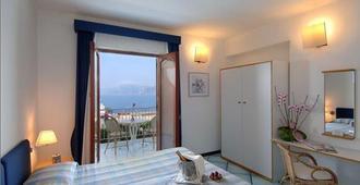 Hotel Le Fioriere - Praiano - Bedroom