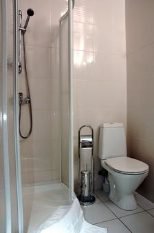 Nevsky 3 Guest House - Saint Petersburg - Bathroom
