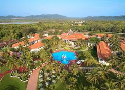 Holiday Inn Resort Goa - Cavelossim - Πισίνα