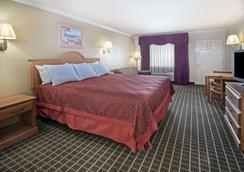 Days Inn by Wyndham Morgan's Wonderland / IH-35 N - San Antonio - Bedroom