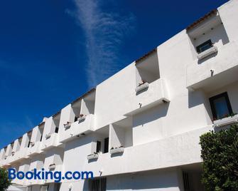 Hotel Della Baia - Baia Domizia - Building