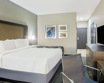 La Quinta Inn & Suites by Wyndham Ponca City - Ponca City - Slaapkamer