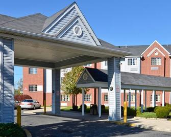 Microtel Inn & Suites by Wyndham Philadelphia Airport - Philadelphia - Gebäude