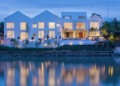 Sala Ayutthaya - Ayutthaya - Building