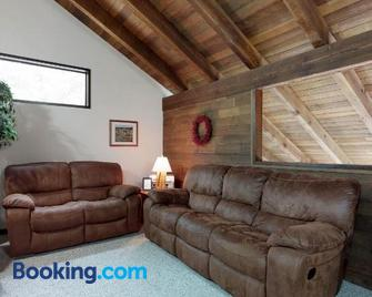 Black Butte Ranch: Partridge Foot Cabin lot #RR83 - Sisters - Wohnzimmer