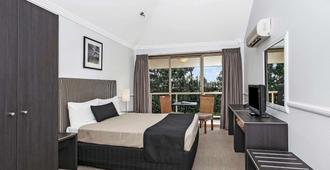 Comfort Inn & Suites Northgate Airport - Brisbane - Bedroom