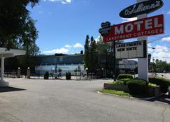 O'Sullivan's On The Lake Motel - Lake George - Building