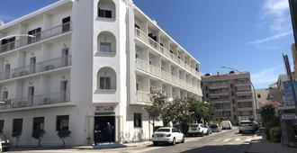 Hotel Riviera - אלגרו - בניין