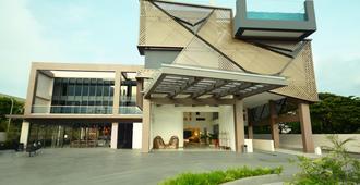 Hue Hotels and Resorts Puerto Princesa Managed by HII - Thành phố Puerto Princesa - Toà nhà