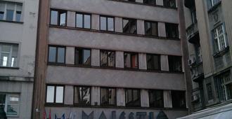 Hotel Majestic - Белград - Здание