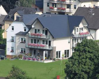 Weinbergs Loge - Ernst - Building