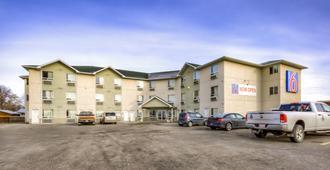 Motel 6 Regina SK - Regina - Toà nhà