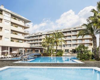 奧納布拉瓦阿卡酒店及水療中心 - 聖塔蘇珊納 - 聖蘇珊娜 - 游泳池