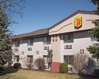 Super 8 by Wyndham Ithaca - Ithaca - Bâtiment