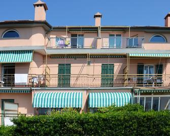 Residence Villa Alda - Pietra Ligure - Edificio