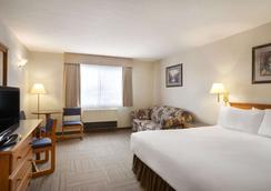 Days Inn by Wyndham Hinton - Hinton - Bedroom