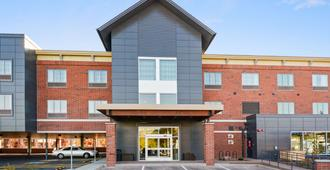 Country Inn and Suites by Radisson Flagstaff Downt - Flagstaff - Building