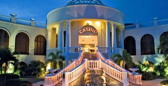Divi Carina Bay Beach Resort & Casino - Christiansted - Building