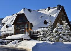 Hotel Chalet Bassibe - Salardú - Edificio